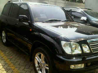 for sale: Toyota Cygnus tahun 2003