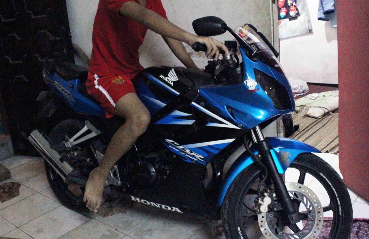 CBR R 150 2009 JUAL CEPET..!!