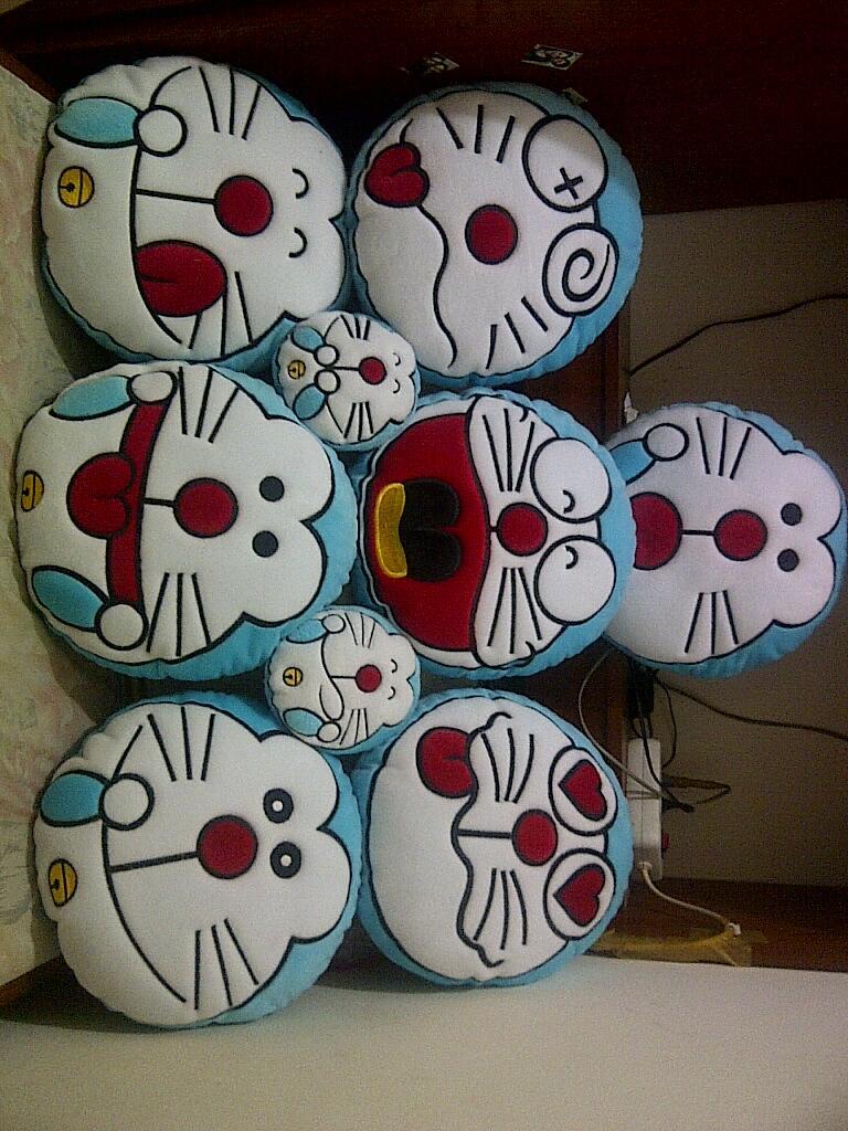 BANTAL EMO DORAEMON & HELLO KITTY MUMER !! ASLI !!