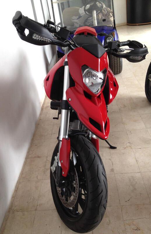 Ducati Hypermotard 796 tahun 2012