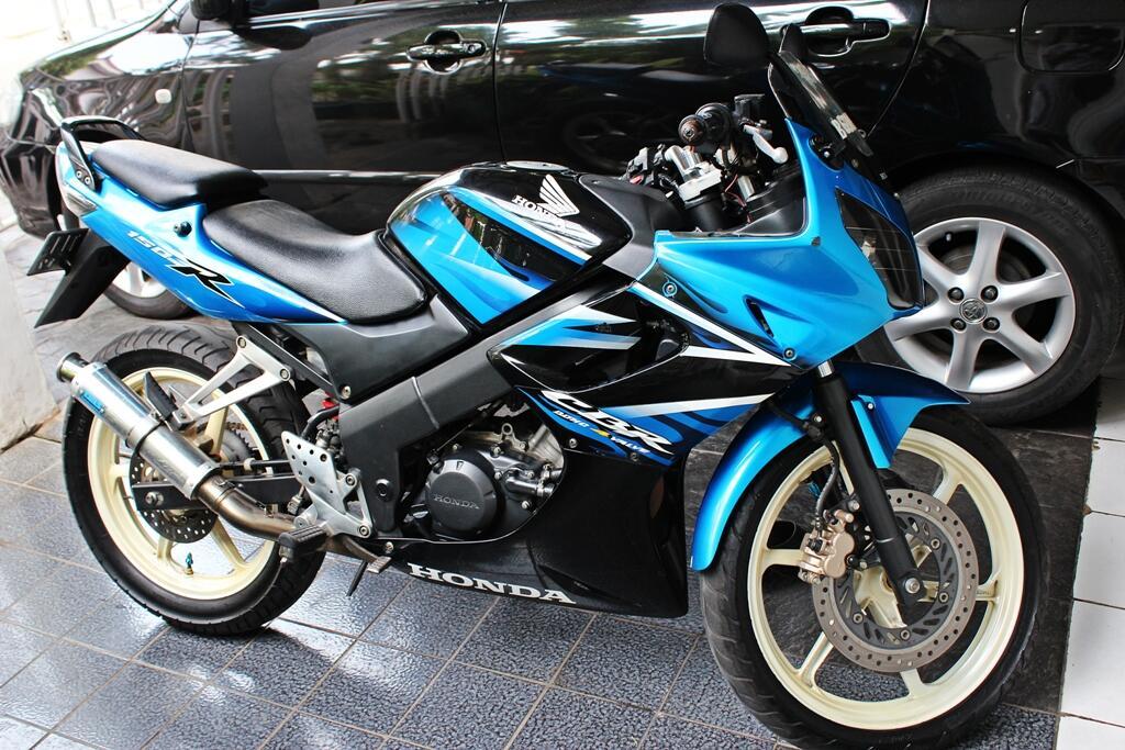 Honda CBR Biru 150 CC Built Up