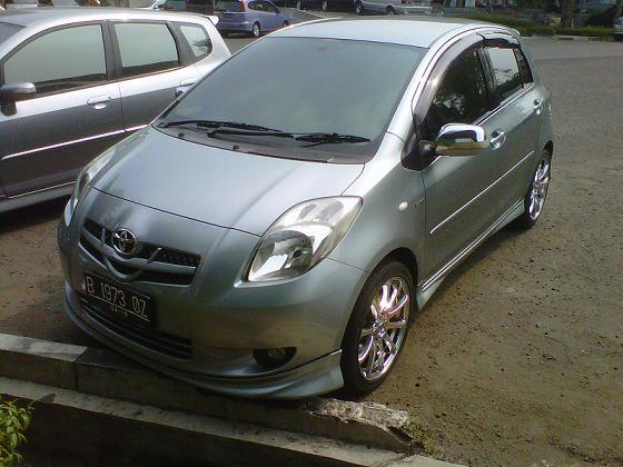 Toyoto Yaris : Tipe S limited A/T 2007 Silver stone Mulus gan