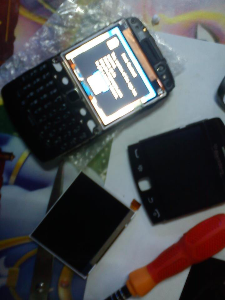 Jual sparepart,LCD,casing HTC,IPAD,IPOD,IPHONE dll