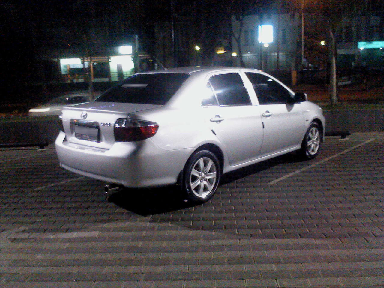 Toyota Vios Limo Silver 2004 M/T