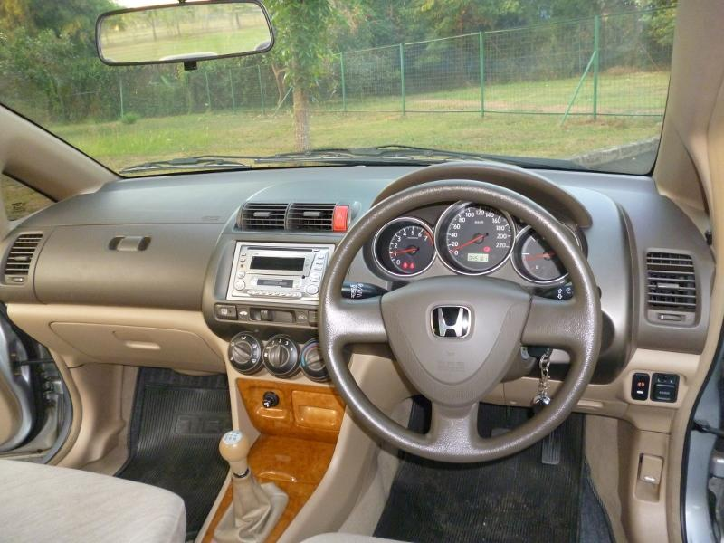 Honda City VTEC 2005 M/T Silver - Very Mint Condition