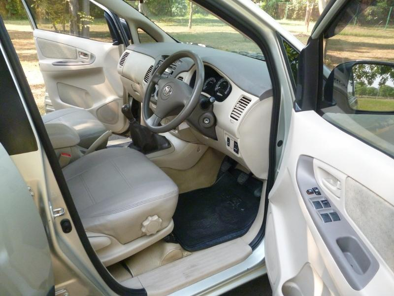 Kijang Innova Bensin G M/T 2007 Silver - Ready To Use