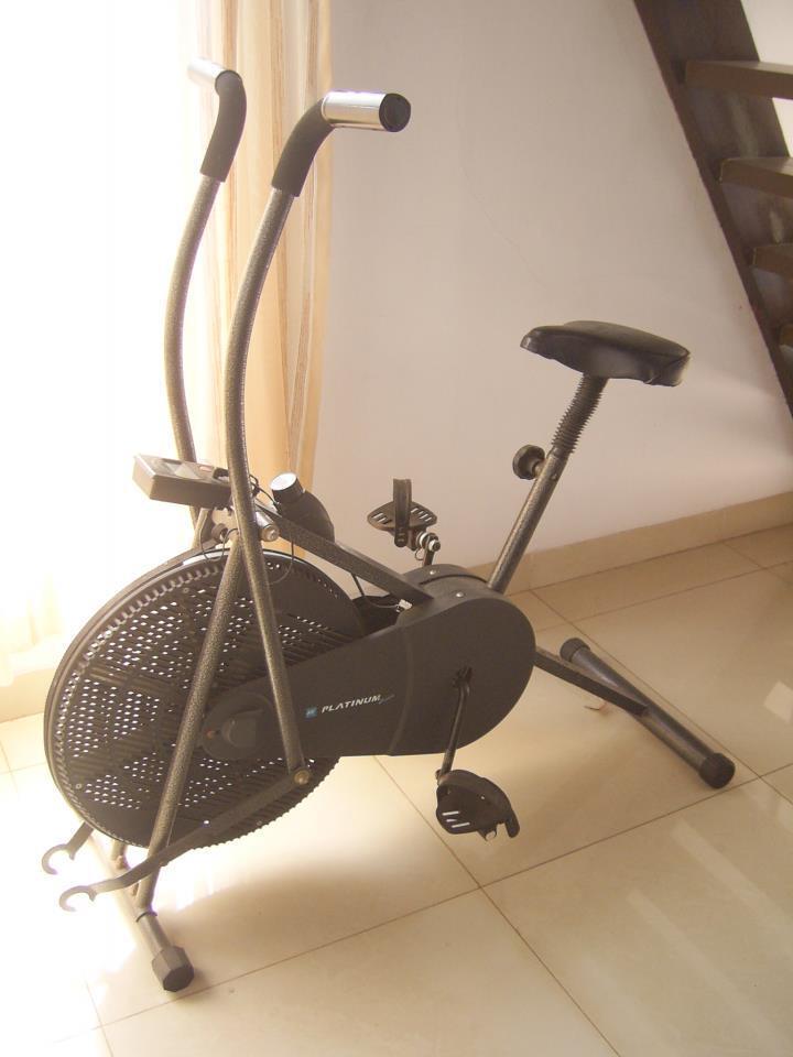 Jua; sepeda statis merk Platinum
