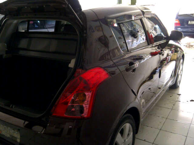 DIJUAL YARIS 2007 + SWIFT 2008