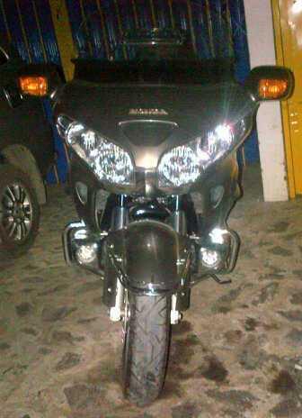 WTS - Honda GOLD WING 2004 - 1800cc - 6 silinder - Abu-abu metalik