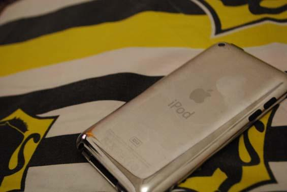 JUAL IPOD TOUCH 32GB 4G MULUS!!!!
