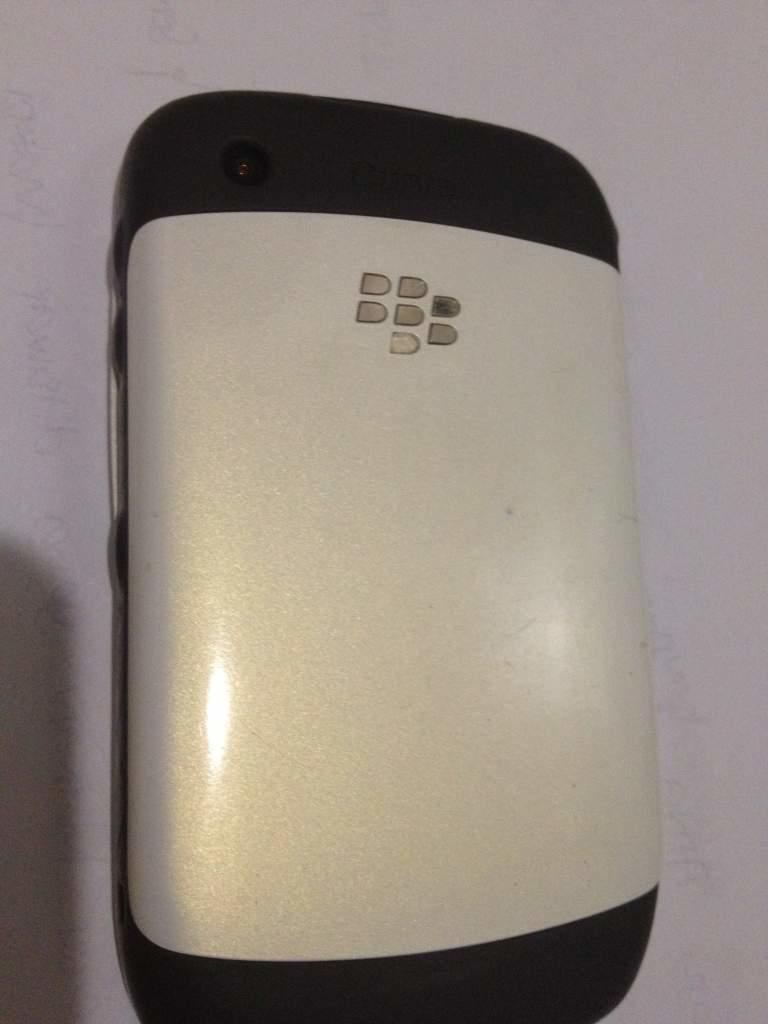 WTS Blackberry Gemini 8520 White