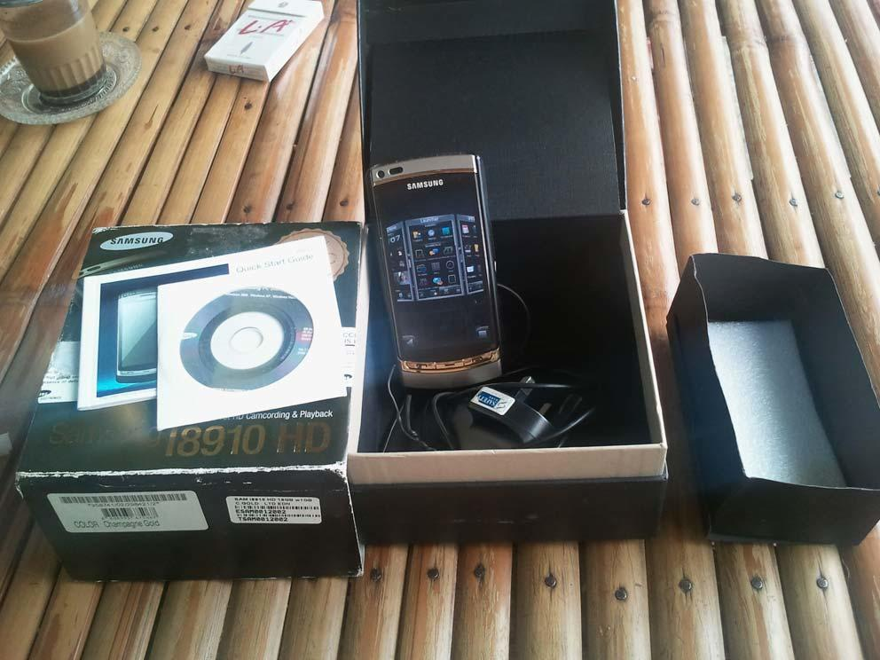 SAMSUNG i8910 HD Kamera 8mp
