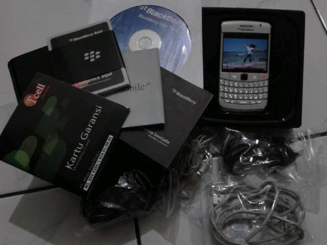 [DiJual] BlackBerry Onyx 2 White Mulus Baru 6 Bulan
