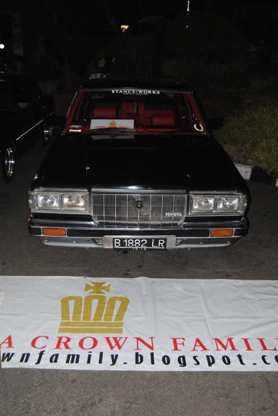 Toyota Crown Deluxe 81 Full Modification