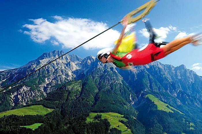 Flying Fox XXL! Flying Fox Terpanjang & Tercepat di Dunia ! :matabelo
