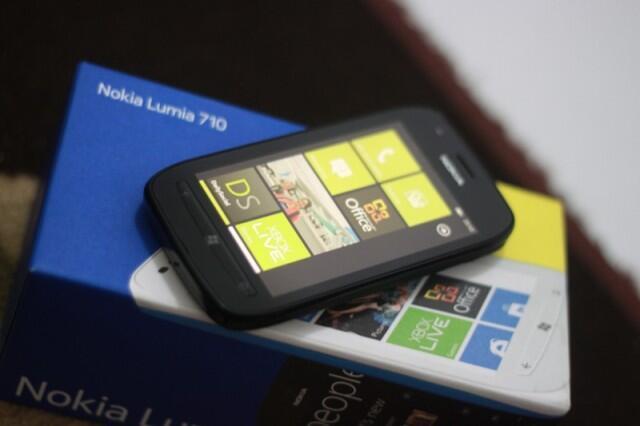 LUMIA 710 baru 3 bulan garansi panjang. jual BU. Denpasar.