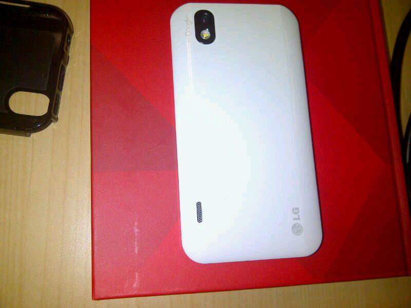 LG OPTIMUS BLACK P970, 2nd baru dipakai 3 bulan, Kondisi 95%