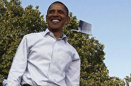Hal Lucu yang Terjadi Saat Obama Berpidato. Check This Out Gan!!!