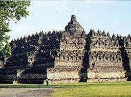 7 Keajaiban Dunia VS 7 Keajaiban Indonesia