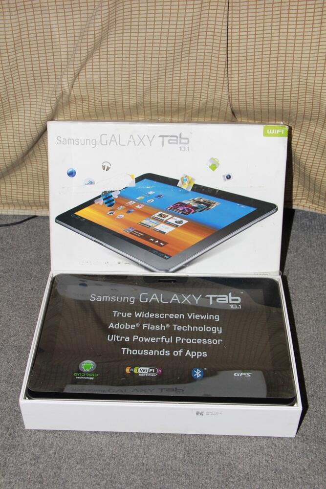 Samsung Galaxy Tab 10.1 16GB WIFI (2jt an) SURABAYA