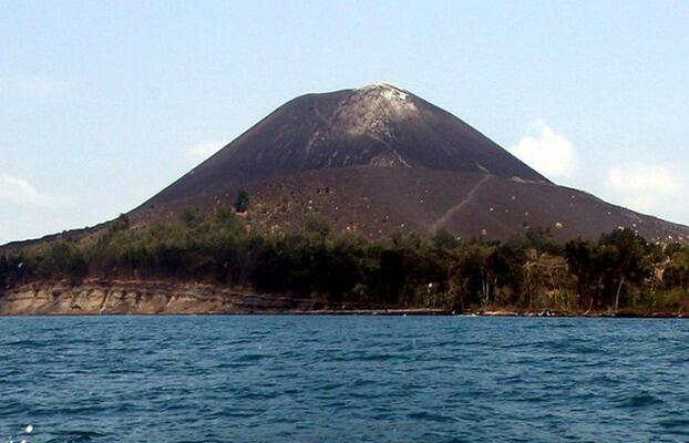 Gunung Anak Krakatau Alami Tremor Letusan 18 Kali