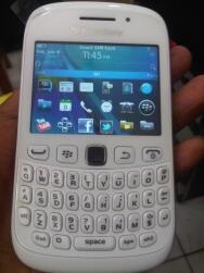 Blackberry® Curve™ 9220 dan Blackberr® Curve ™ 9320 Garansi Resmi TAM