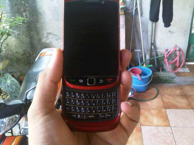 bb torch 1 9800 red TAM,garansi msh 21 bln,mulus kinyis2,ex-cwe