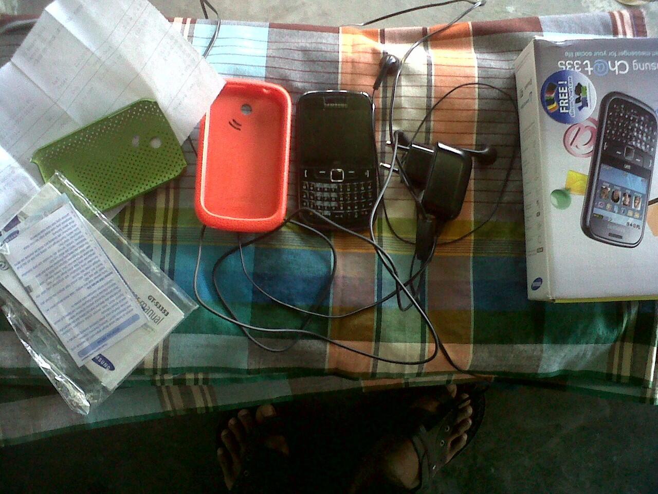 Dijual samsung chat 335 wifi dan nokia 7610