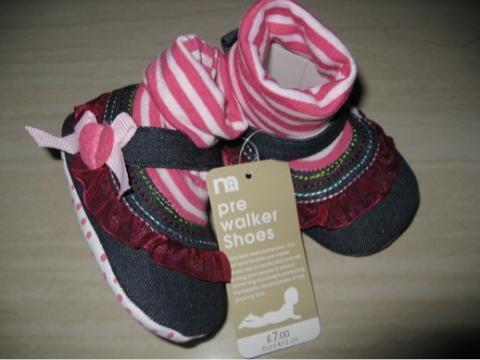 Terjual Sepatu Bayi - Prewalker Shoes Branded (Mothercare 93058ae410