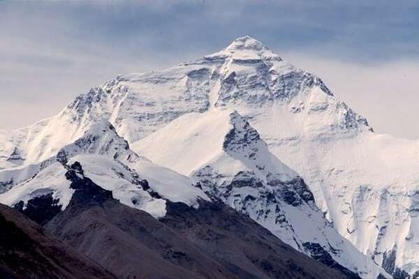 Pegunungan Jaya Wijaya Gunung Tertinggi di Indonesia