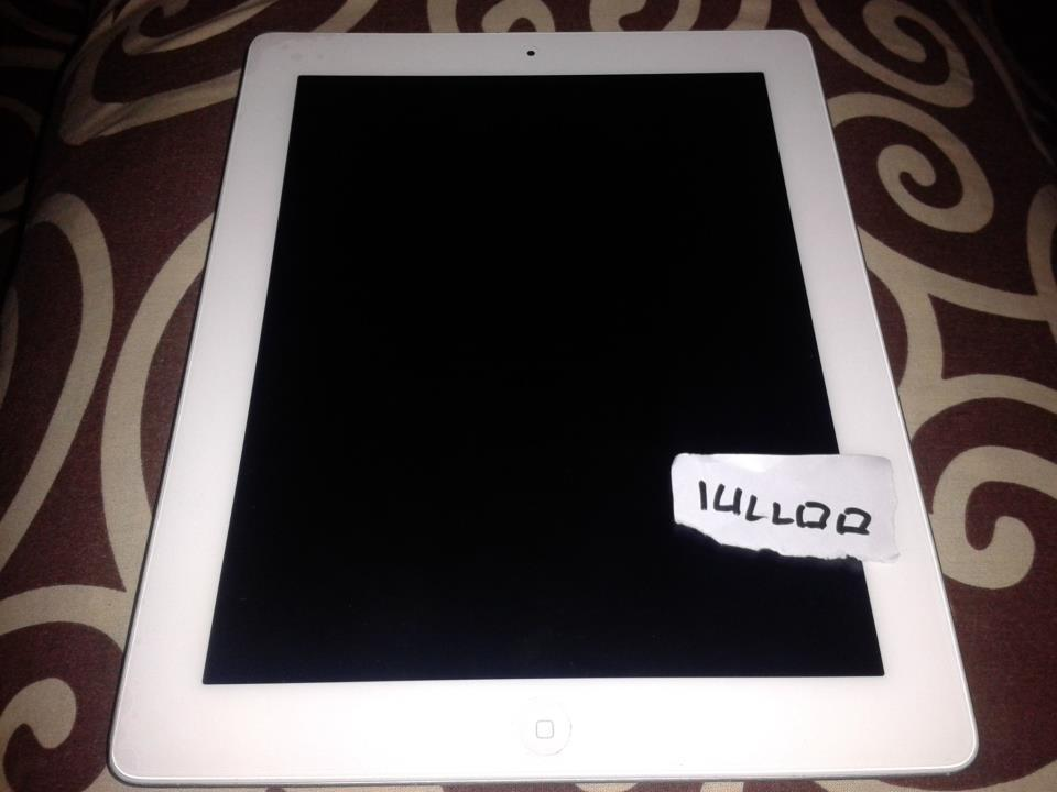 IPAD2 16GB WIFI + 3G WHITE LIKE NEW! COD MALANG ONLY
