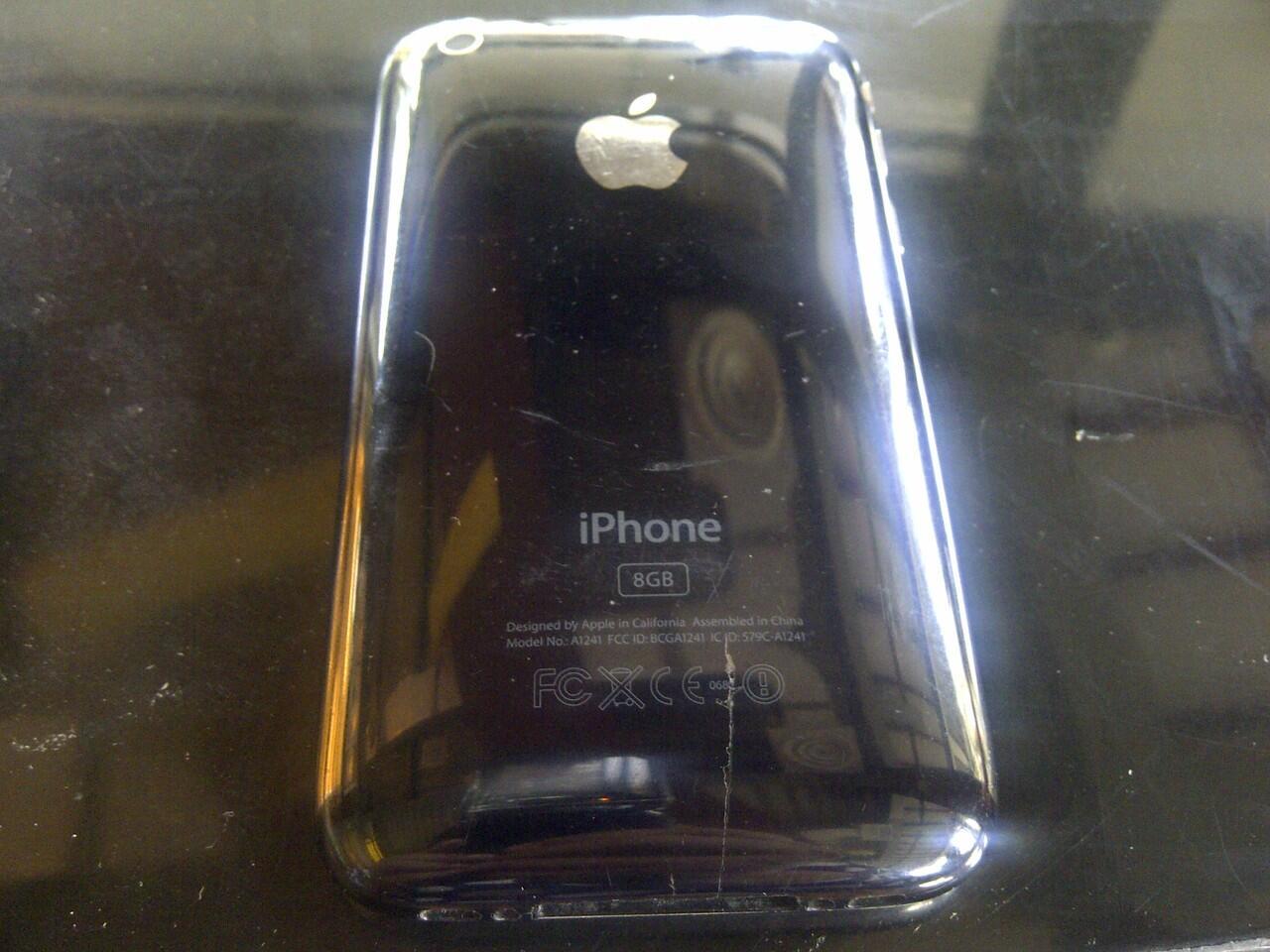 JUAL CEPAT BB HURON 8830 dan IPHONE 8GB MURAHH