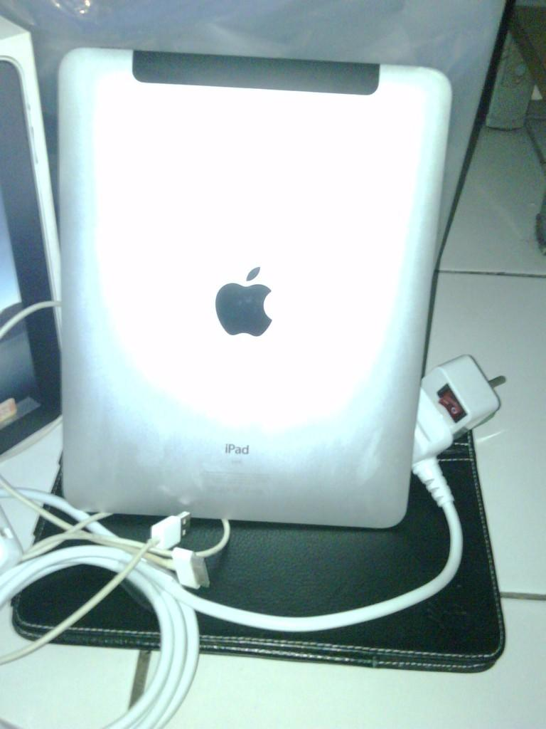 jual ipad 1 64 gb 3G wifi