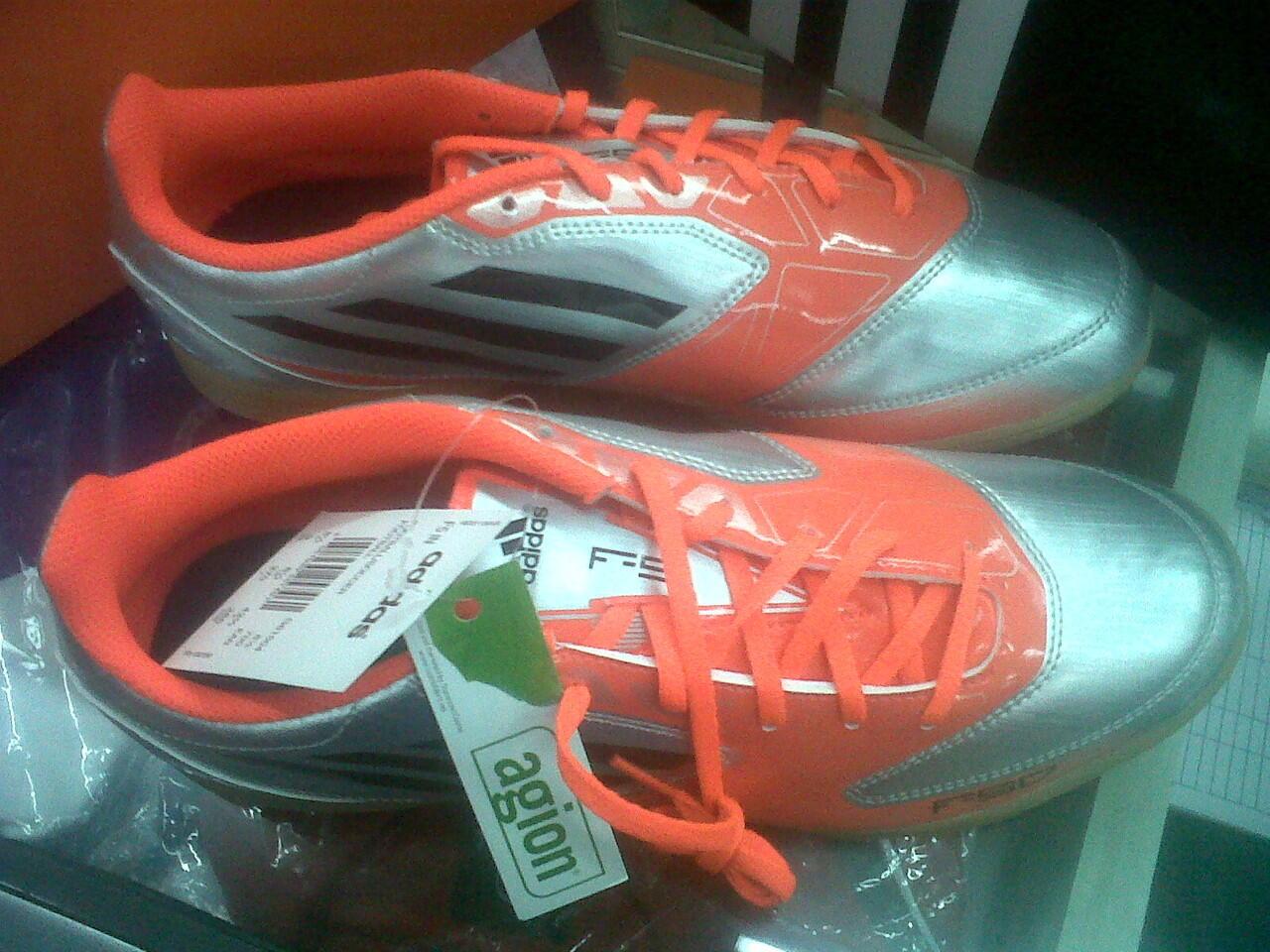 Jual sepatu futsal Adidas F5 micoach messi 2012-2013 silver orange 100% Original