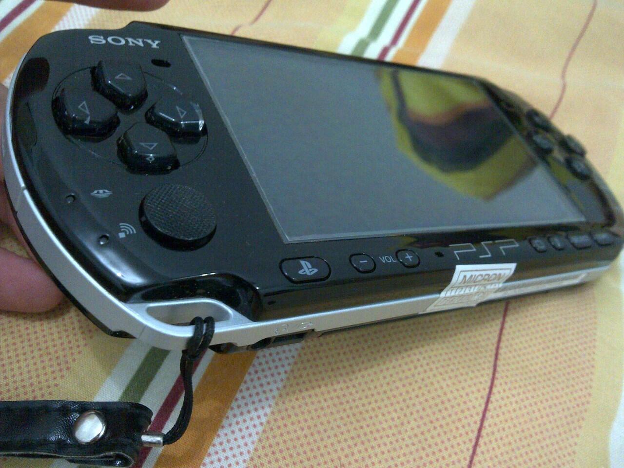 JUAL PSP-3006 PIANO BLACK FULLSET MULUS (BARU 4 BULAN)