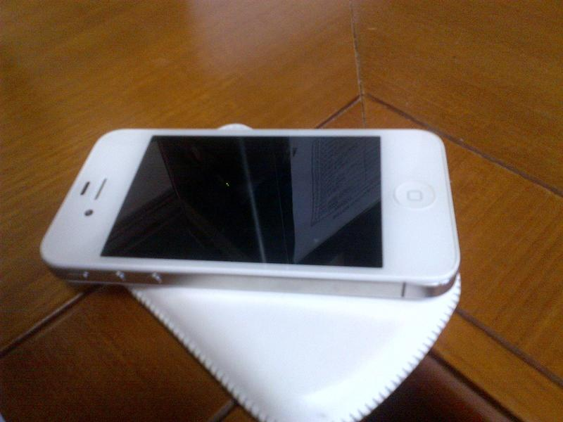 Iphone 4 warna Putih
