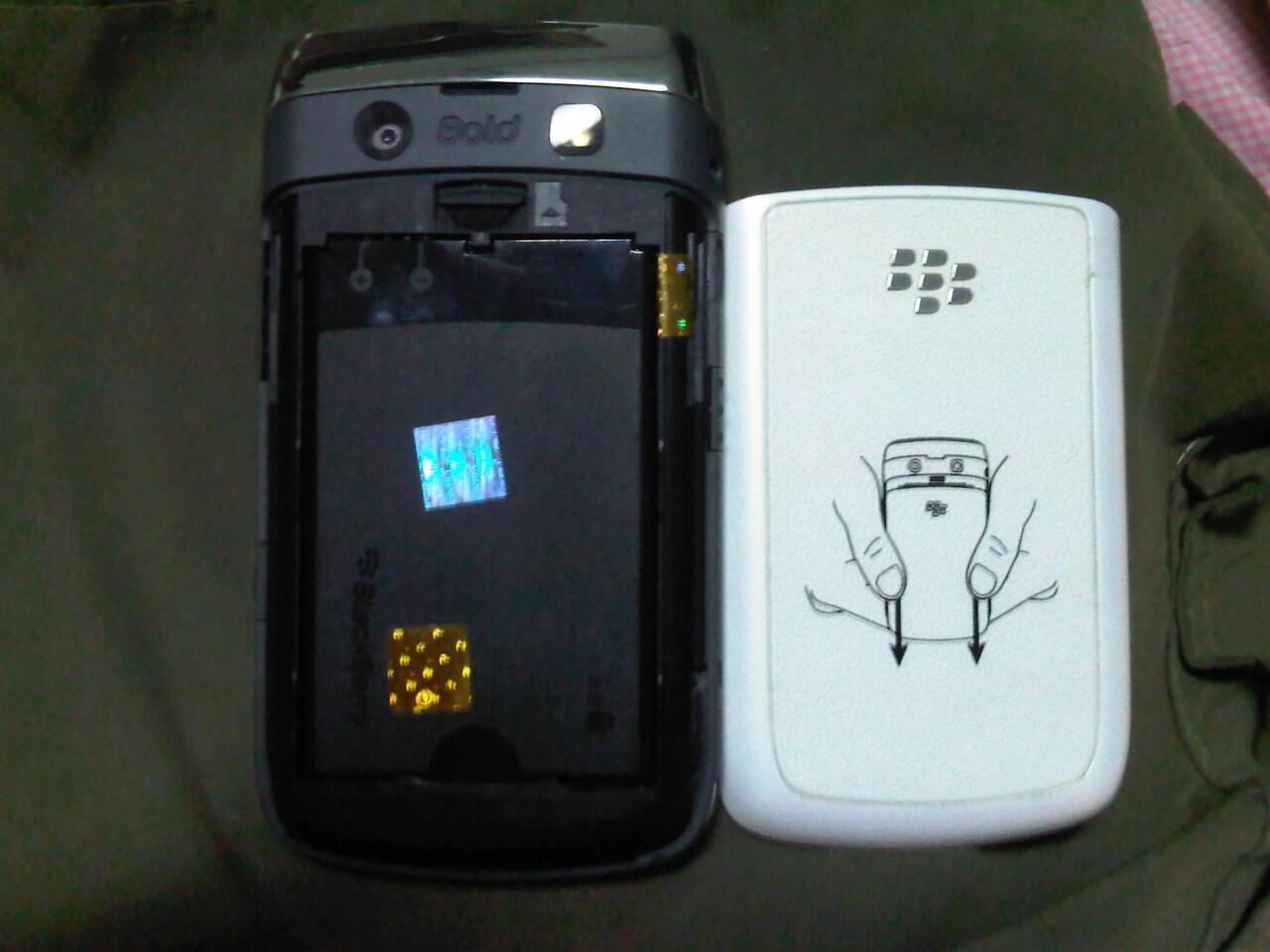 Blackberry Onyx2 White Perfect 100% (Medan)