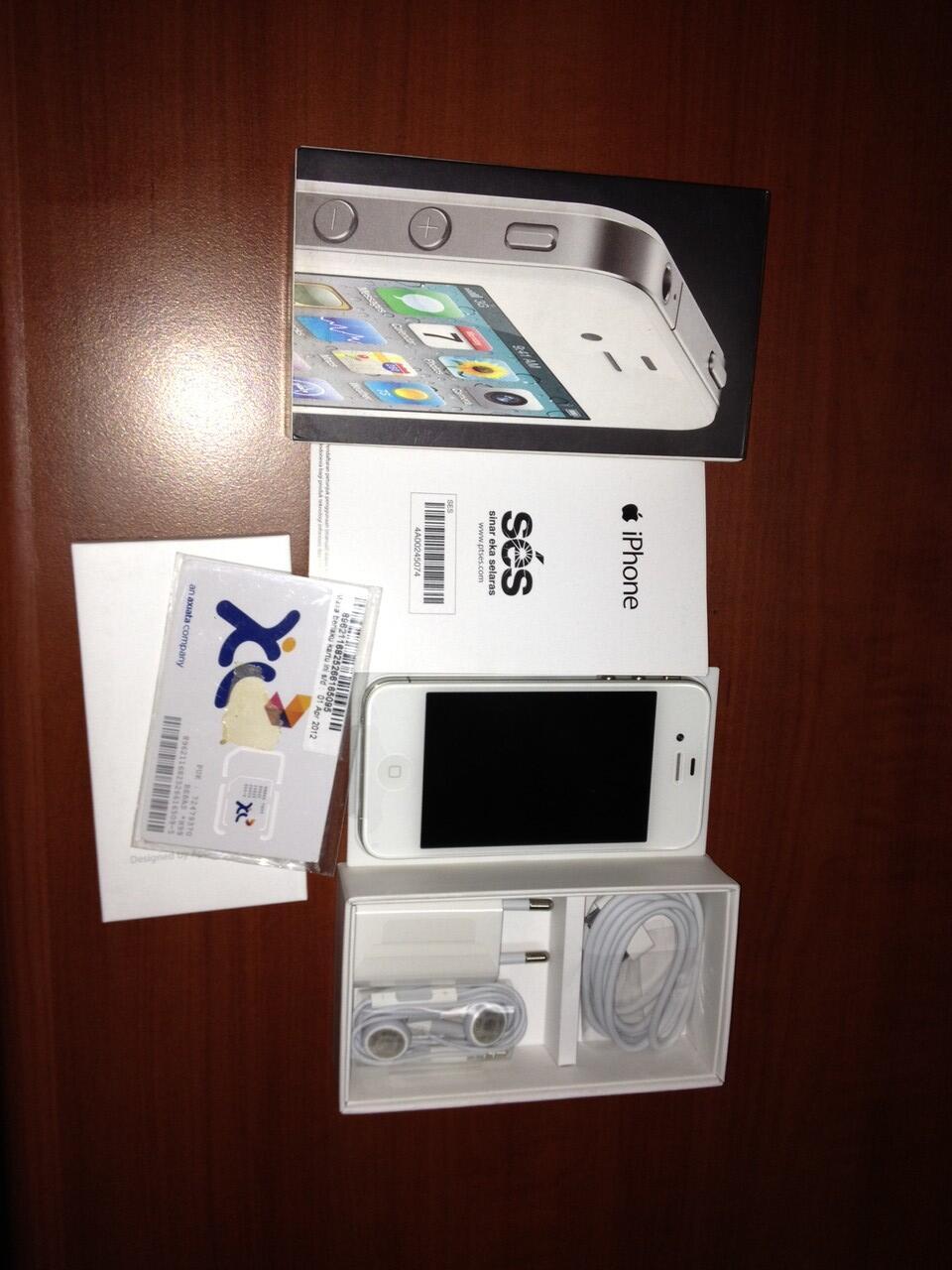 iPhone 4 32GB white ex Garansi SES (spt baru 100%)