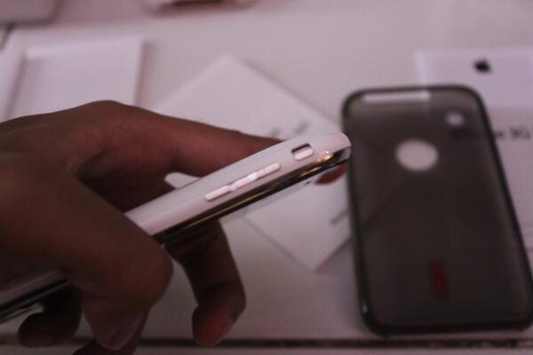 WTS Apple Iphone 3GS 16GB SU (BU gan)