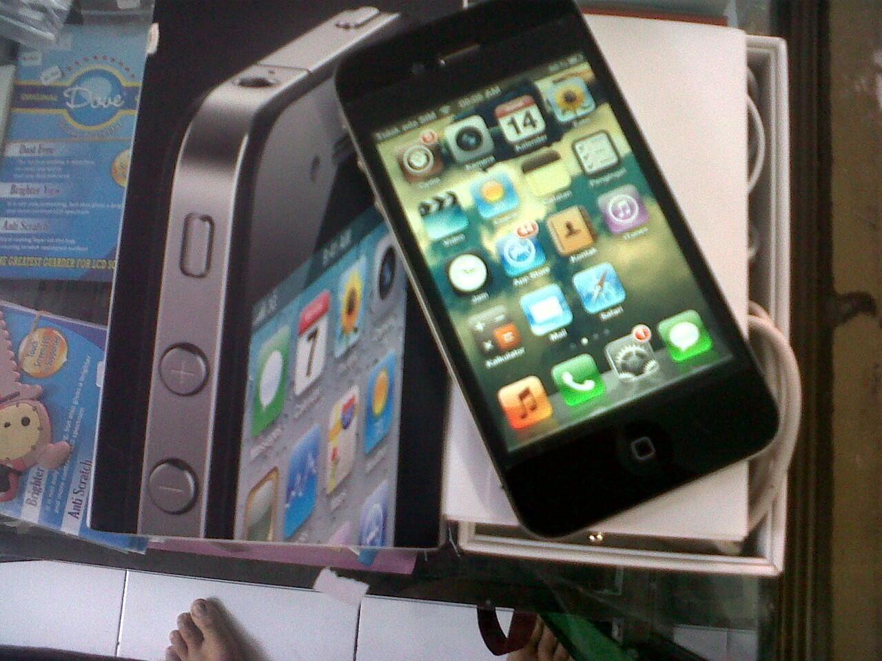 iphone 4 32gb black FU mulus fulset Rp. 4,2 nett