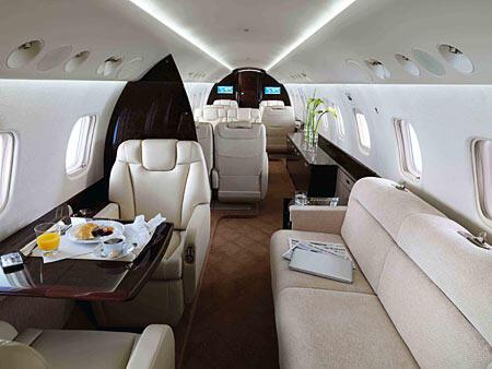 Mengintip Pesawat Jet Jackie Chan (amazing)