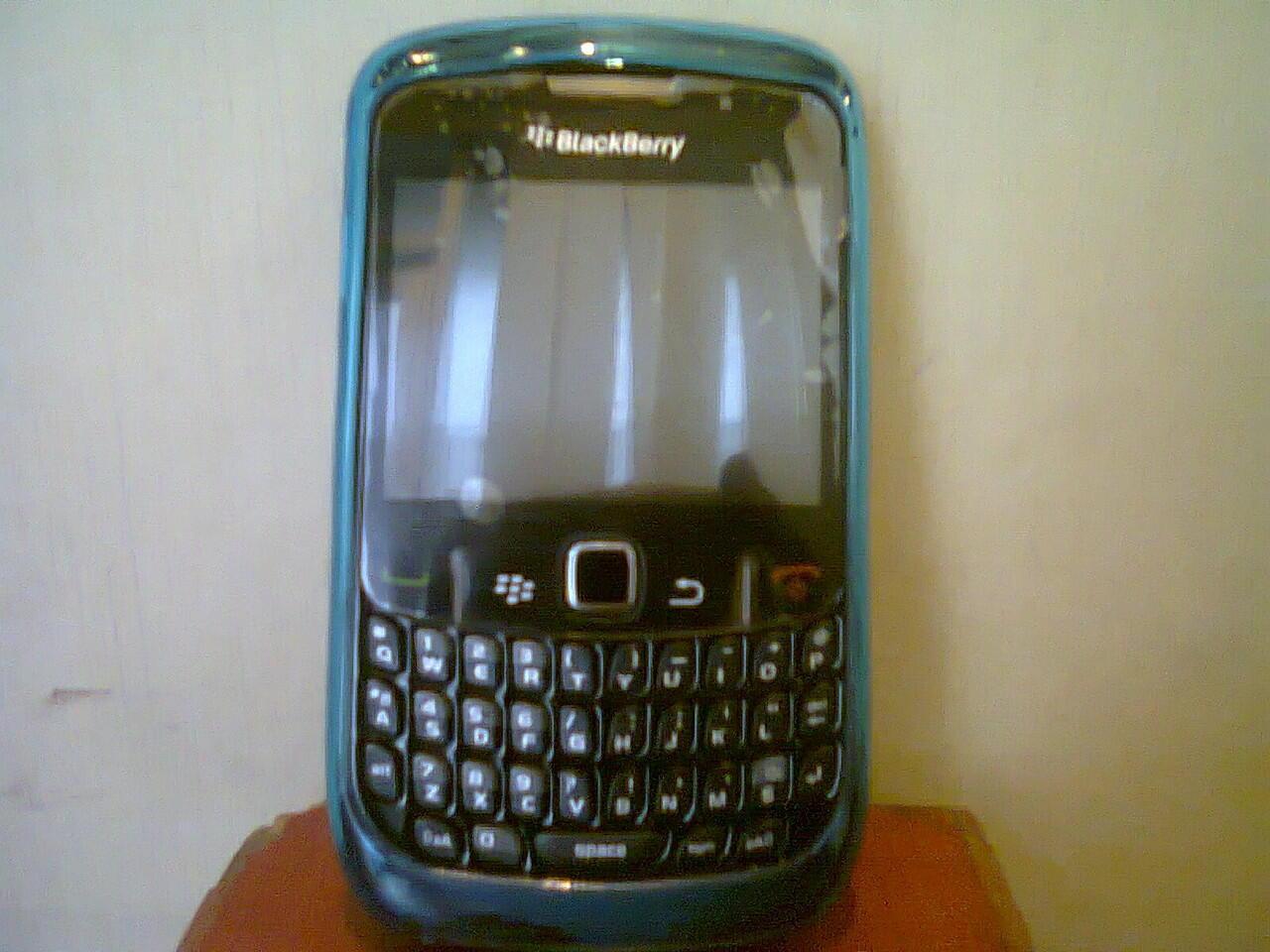 Blackberry curve cdma 8530 baru pakai 3 hari,buruan