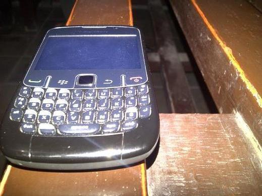 blackberry 8520 black bandung baru pake sebulanan TAM