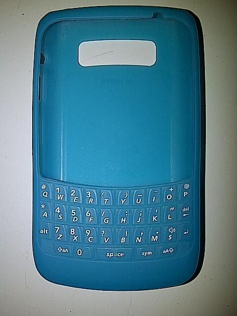 Jual Blackberry 9780(Onyx2) Black Mulus 98% masi garansi Berrindo T-cell sisa 1th.