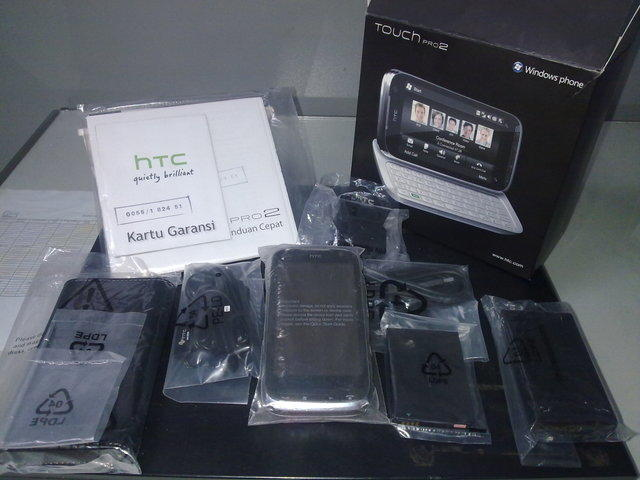 HTC Touch Pro2. Harga Rp. 3.900.000,-Call : +62853-2222-8209