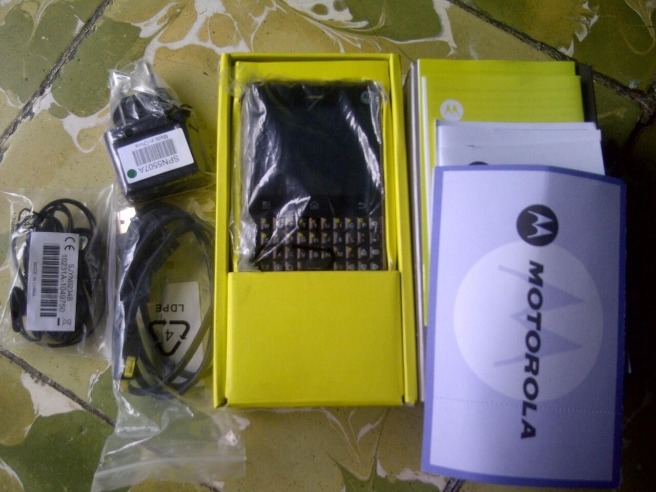 Motorola Charm MB502 Mulusss Seperti Baru