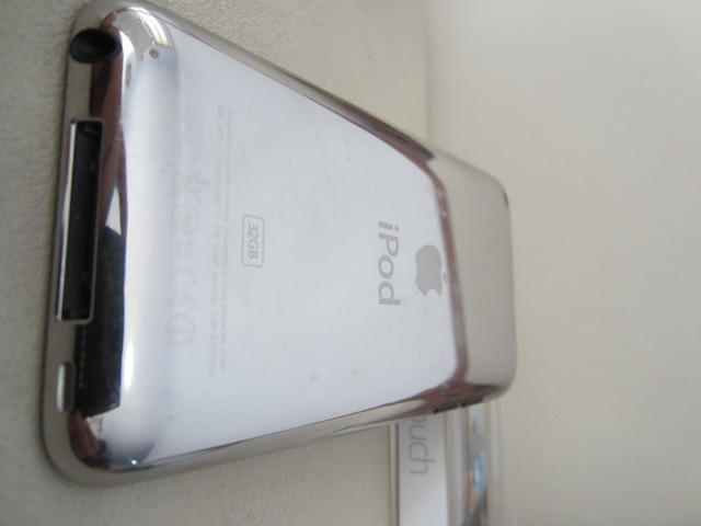 iPod Touch / itouch 4th Gen 32gb Murahh + ada bonus gann