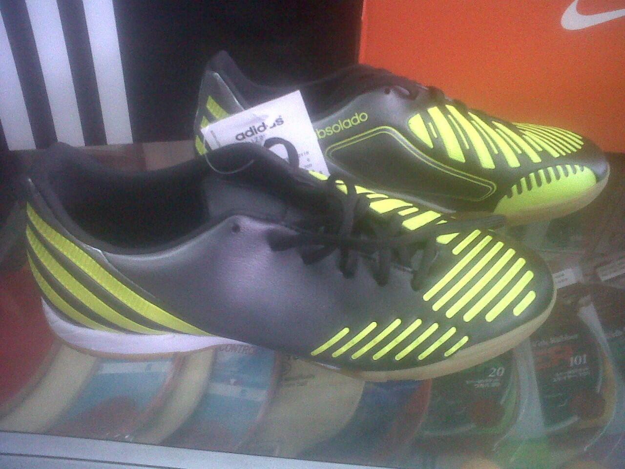 WTS jual sepatu New Adidas Predator Absolado LZ in 100% ori ( Steven gerrard )
