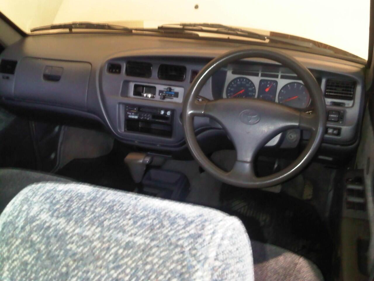 Toyota Kijang LGX 2.0 Matic Th 2002