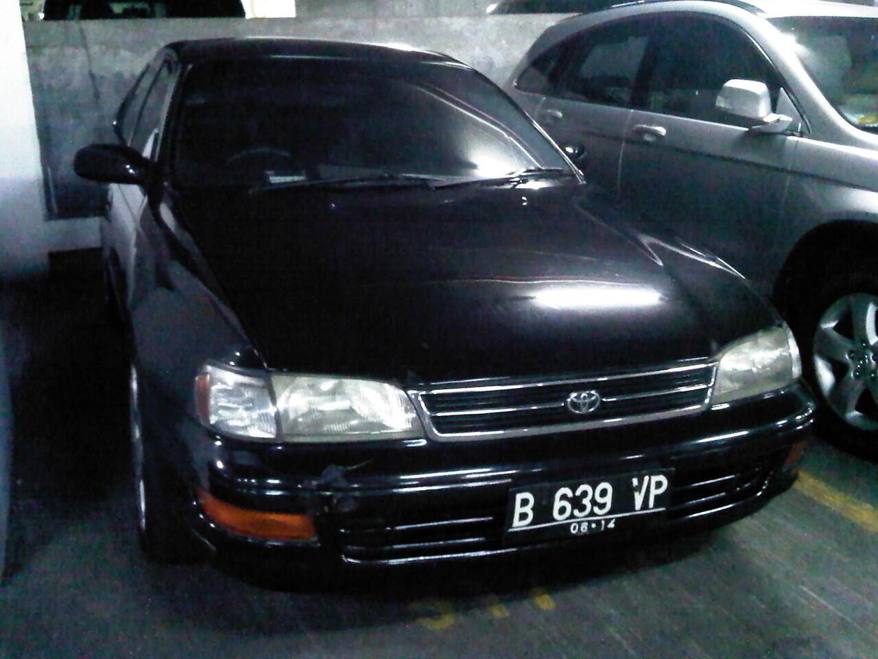 Toyota Corona Absolute 2.0 CC, Hitam, Th. 1994, Automatic
